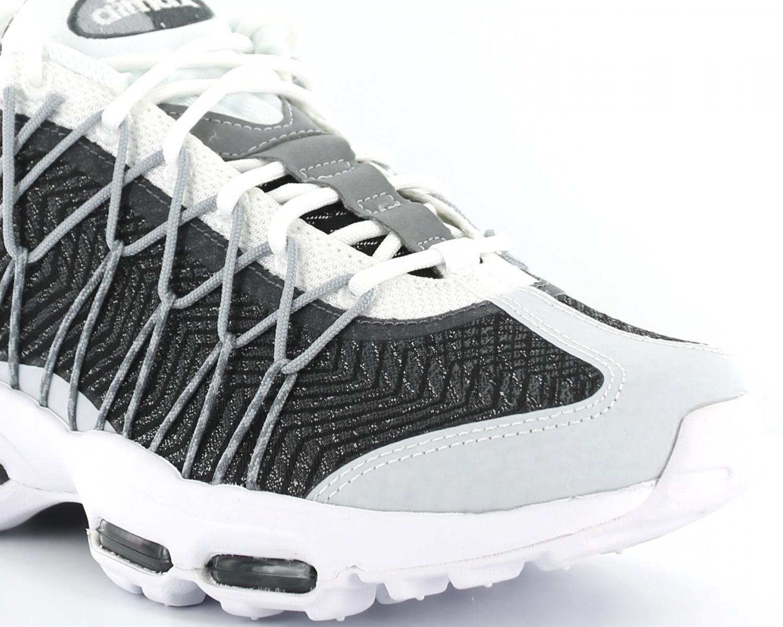 Acheter air max 95 jacquard gris original pas cher ici en ligne avec le  prix le plus bas possible. Remises spéciales sur les nouvelles offres 2018. eab9a2093057